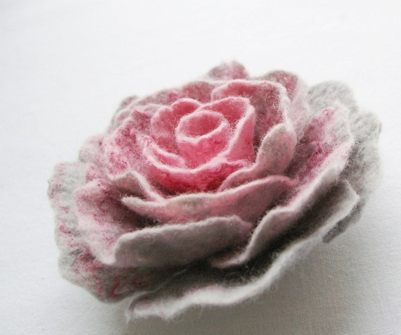 felted flower brooch PINK FROM GREY / made to order