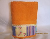 CUSTOM ORDER for NURIA.- towel sets with monogram in orange and white bath towels