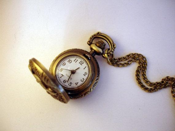 NEW ARRIVAL Antique Bronze Mini Pocket Necklace Watch Quartz Night Owl