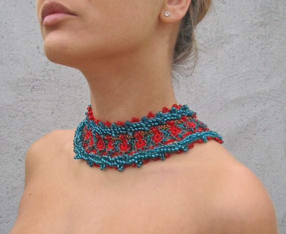Jewelry / Necklaces  Beadwork  Beaded Crochet Necklace red ... green...gold