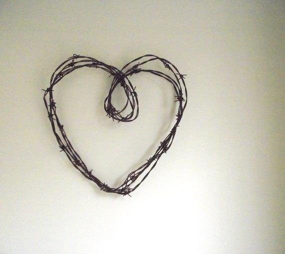 Barbed Wire Heart Wreath Antique Rustic Farmhouse Chic Industrial Decor Valentine's Day