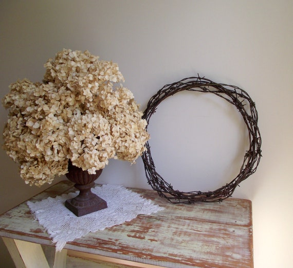 Barbed Wire Wreath Antique Weathered Rusty Patina Wall Hanging Rustic Primitive Farmhouse Decor Garden Decor