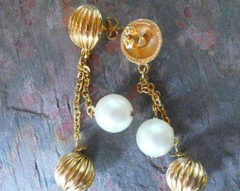 1980s Double Gold Chain Earrings with a Gold Ball and a Pearl Ball pierced