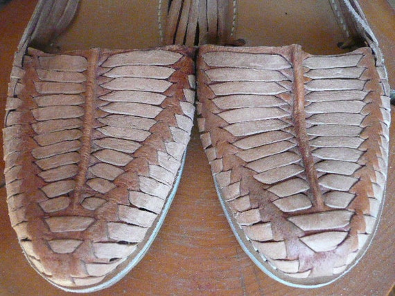 Woman's Mexican Huarache Hand Made Sandals 1980s size 8