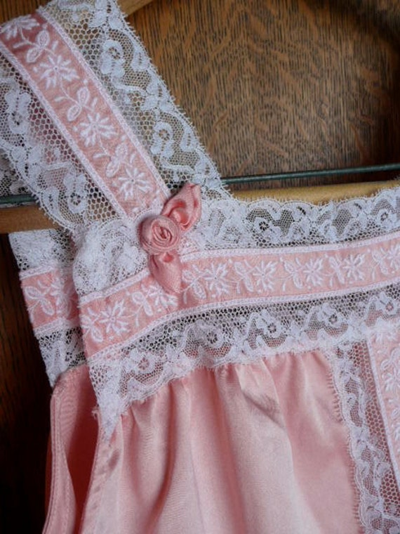 1950s Eve Stillman of New York Silk and Lace Night Gown  approx. size 8/10