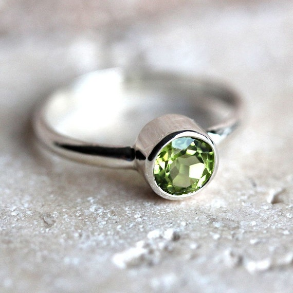 Lime Green Peridot Ring, Faceted Chartreuse Spring Green Gemstone Sterling Silver Ring August Birthstone Peridot Jewelry - Made to Order
