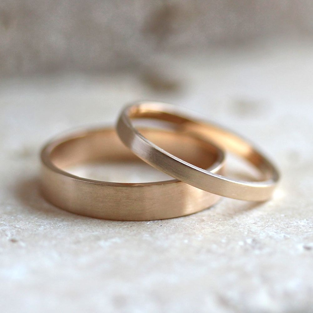 Gold Wedding Band Set His And Hers 4mm And 2mm By TheSlyFox