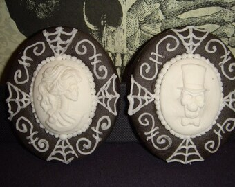 1 DZ  Skull Cameo Sugar Cookies Female or Male