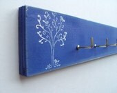 key rack, distress blue with white tree