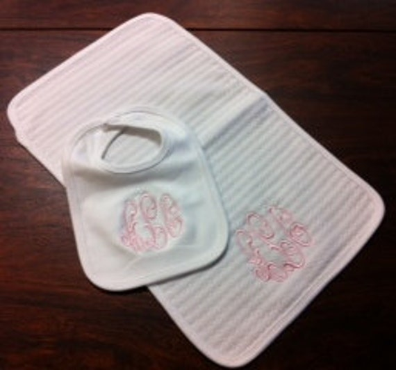 Bib and Burp Cloth Make Classic Gift Set