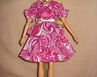 Handmade easy on skirt & top set in bright pink for Fashion Dolls - ed216