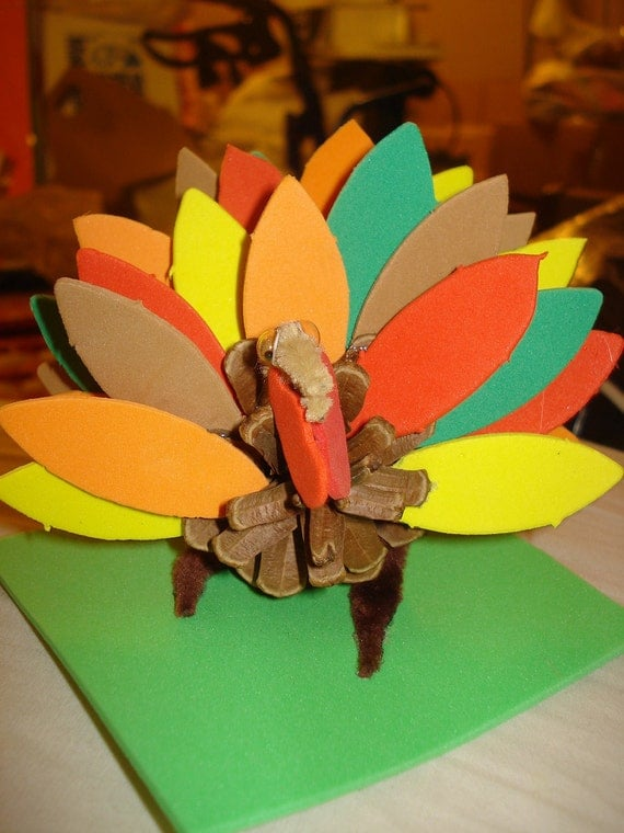 Handmade pine cone turkey with craft foam feathers x44 for Turkey country arts and crafts