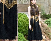 80s -  The witching Hour - below the knee black lace skirt - size m l