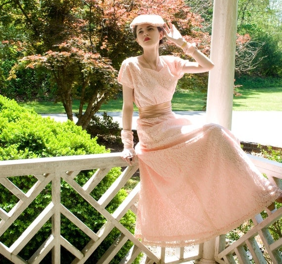 DEAL of the day - 40s - Sweetheart - wwii ww2 petal pink floor length full sweep  gown - size s m