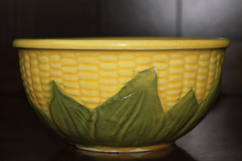 Vintage Shawnee Corn Bowl