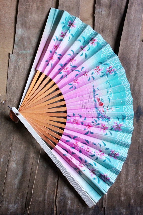 Vintage 40's Hand Painted Japanese paper fan with Island scene in Pink and Turquoise
