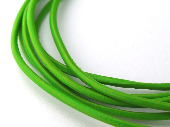 LRD0115040) 1 meter of 1.5mm Fern Round Leather Cord