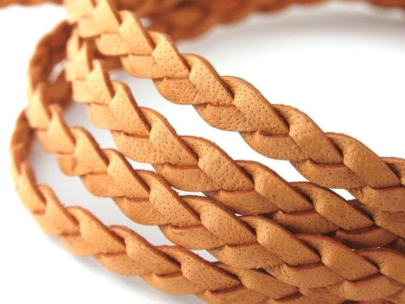 LFB0732801) 1 meter of 3x2mm Natural Flat Braided Leather Cord