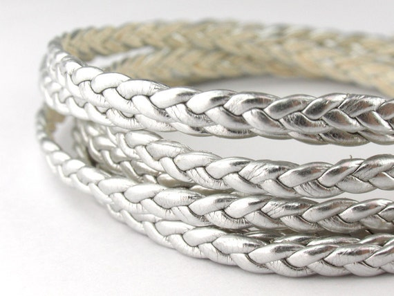 LLFBB1532046) 1 meter of 3x2mm Silver Metallic Flat Braided Leather Like Cord