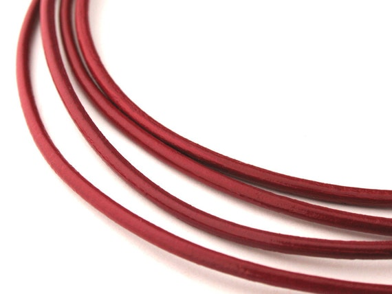 LRD0115009) 1 meter of 1.5mm Corida Red Round Leather Cord