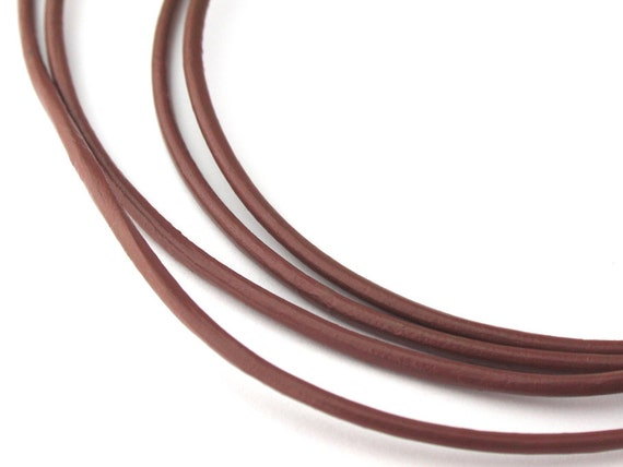 LRD0115035) 1 meter of 1.5mm Enland Round Leather Cord