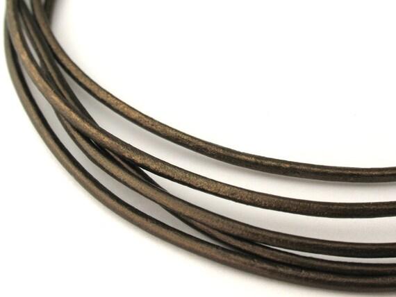 LRD0115045) 1 meter of 1.5mm Gauriya Metallic Round Leather Cord