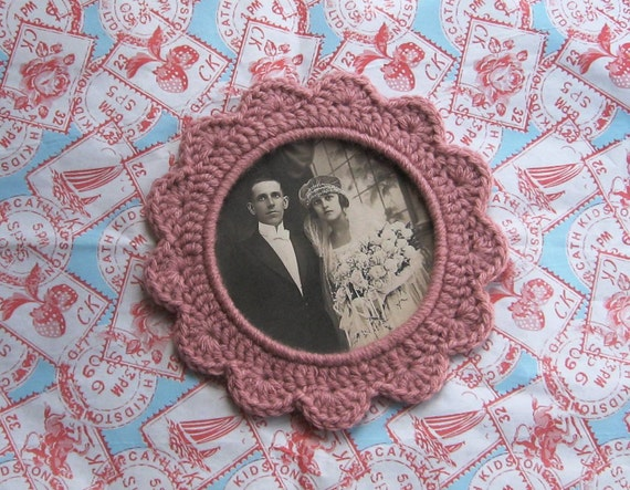 SALE - 33% off - Dusky Pink Crochet Picture Frame
