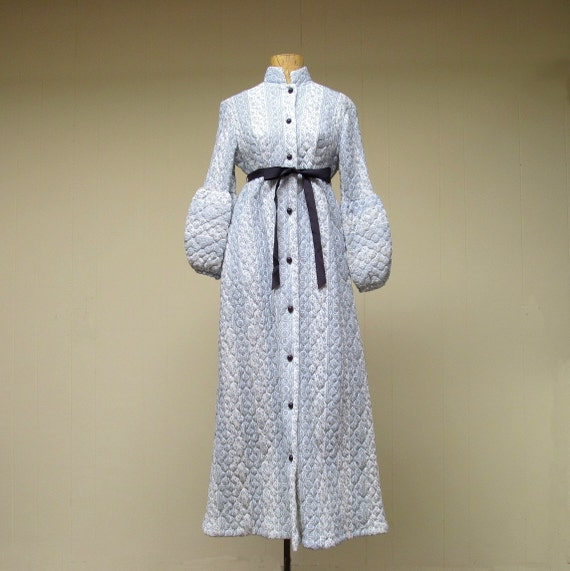 Vintage 1960s Robe Quilted Empire Dressing By