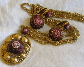 Morocan Matrix Red and Gold Glass Cabochon Necklace and Matching Earring Demi Parure Set Juliana D and E for Celebrity