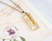 Pressed flower necklace resin jewelry-nature necklace, bridal jewelry, bridal necklace, gift for a woman, gift under 35