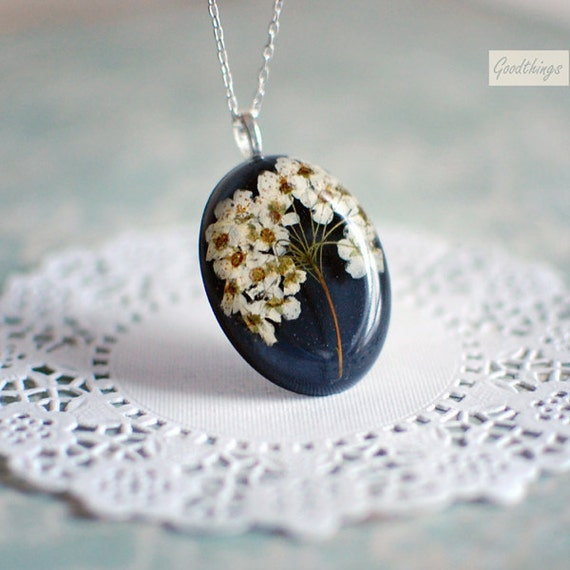 Pressed flower real bridal wreath blossom necklace - botanical resin jewelry - Nature lover gardener gift, gift for a woman, gift under 35