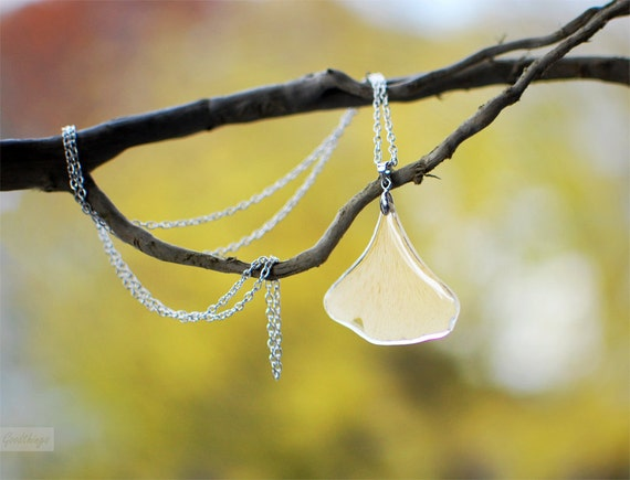 Pressed leaf Ginkgo Leaf necklace Autumn jewelry woodland style resin jewelry gift for a woman, gift under 40,