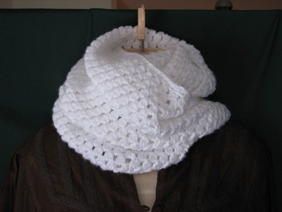 Elegant Infinity Cowl Crochet Pattern - Ladies PDF 061 Permission to sell finished items