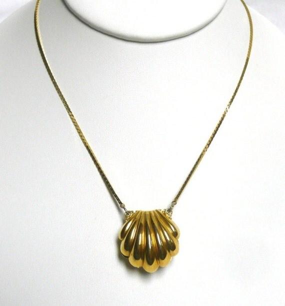 Napier Clam Shell Necklace