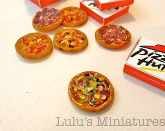Dollhouse Miniature Food - Super Supreme Pizza with Take Away Box - 1/12 Scale