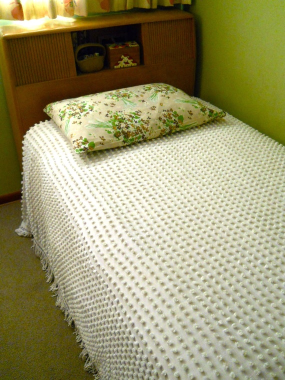Shabby Chic Style Pop Chenille Bedspread