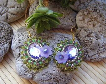 Oval lilac and pistachio green embroidered earrings