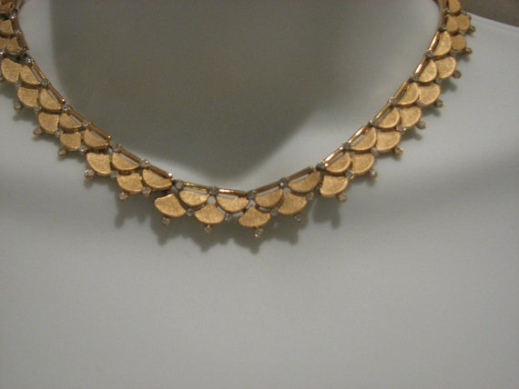 Vintage Trifari Goldtone and Rhinestone Necklace