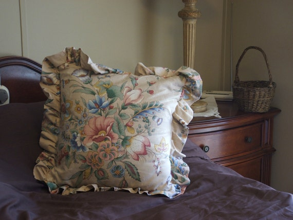 tan floral pillow cover /w ruffle