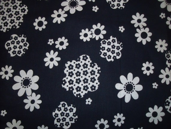 Reserved for arisc66 Vintage 1970's Black White Mod Flower Power Daisy Cotton Fabric
