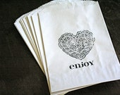 Candy buffet bags, wedding cake bags, favor bags, goodie bags. Kraft paper bags with black lace heart with Enjoy script.  Set of 50.