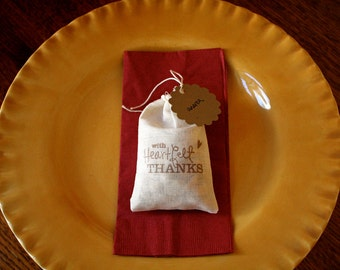 Thanksgiving place card favor bags with blank tags, muslin, 3x5.  Set of 12, includes blank kraft paper tags for names.  Table decor.