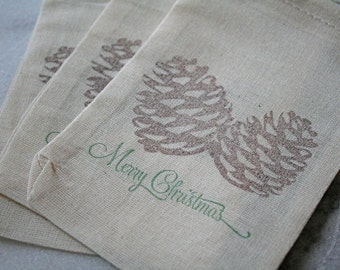 Christmas gift bag, holiday party favor bag, muslin, 4x6. Set of 6.  Brown pine cones with Merry Christmas in forest green.