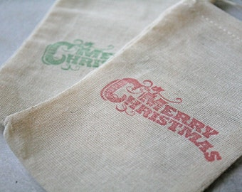 Christmas gift bags, muslin, 3x5. Set of 10. Vintage style Merry Christmas in red and green.  Great gift card holder.