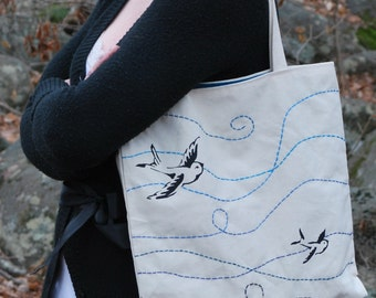 Canvas tote, birds in the wind