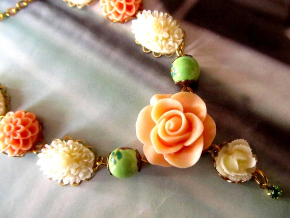 Fabulous Resin Flower Necklace,  colorful flowers, Great gifts