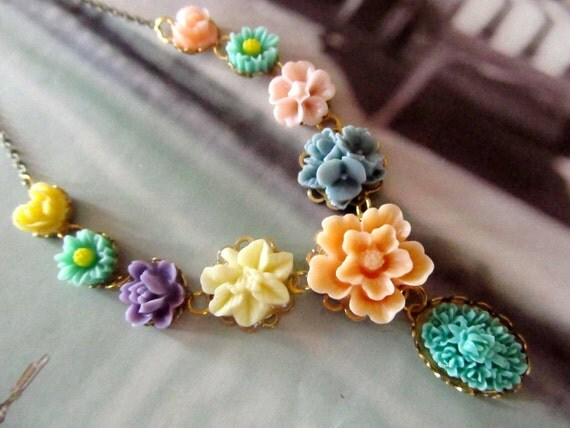 Jollie Pretty Floral Necklace, Resin Flowers ,  mixed and colorful necklace,  Great Gifts