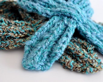Women's Scarf Pattern: Looped Scarflette (Knitting Pattern PDF)
