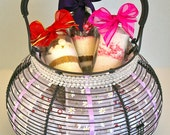 Wire Egg Basket with 3 Hot chocolate Mixes