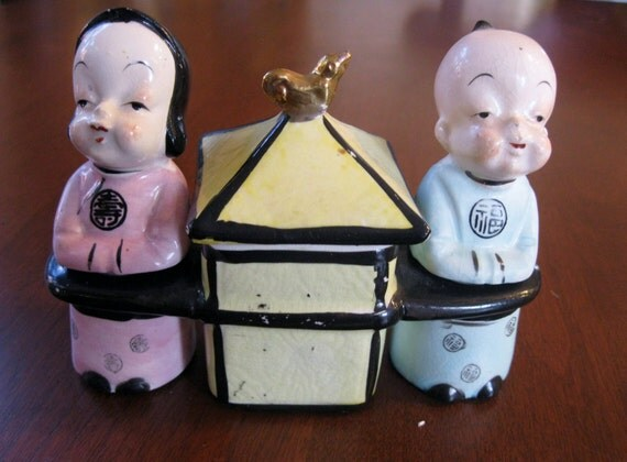Vintage 1940s Chinese Couple Salt and Pepper Shakers